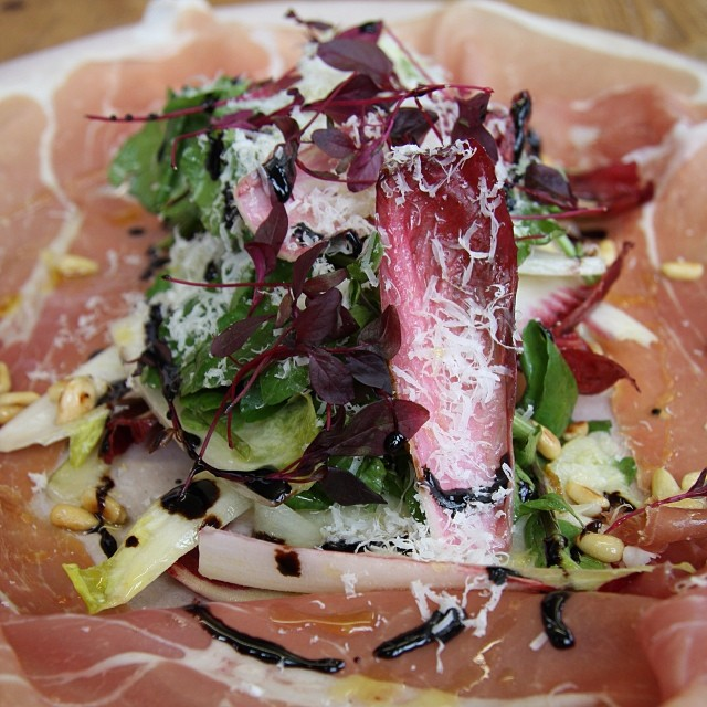 Prosciutto & shaved pear salad