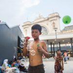 A túlélés iskolája – Menekülthelyzet gyerekszemmel