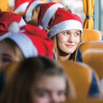 Mikulás-sapkás gyerekek Budapesten