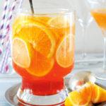 Koccintsunk az újévre keserűlikőrös-citrusos bólével