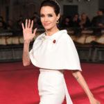 """""""Sokkal több időt akarok a családommal tölteni"""" – Sztárinterjú Angelina Jolie-val"""