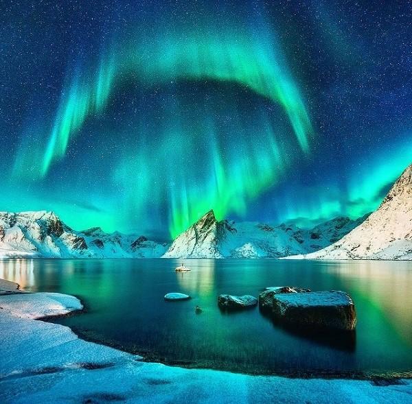 danielkordan Lofoten szigetén kapta lencsevégre a sarki fényt.