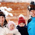 Így vakációzik Vilmos herceg, Katalin hercegné, György herceg és Sarolta hercegnő
