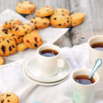 Ropogtatnivaló kávé mellé: csokoládés, aszalt cseresznyés keksz