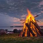 Miért gyújtanak tüzet Szent Iván éjszakáján?