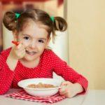 3 édes és gyors reggeli gyerekeknek, amit kipróbálnánk