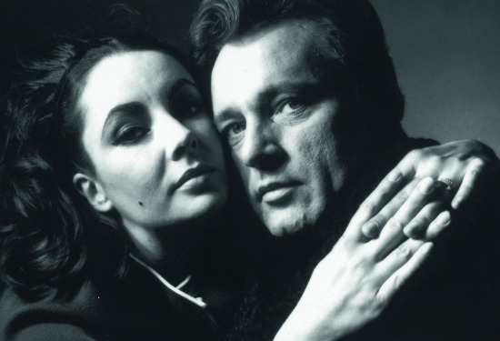 042-elizabeth-taylor-and-richard-burton-theredlist