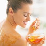 A méznél nincs jobb szépségápoló! Így hat a hajra, a bőrre és a körömre