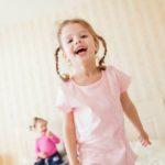 Nem akar lefeküdni a gyerek? Szülői praktikák, amikkel célt érhettek
