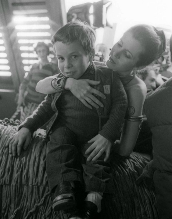 12-year-old-warwick-davis-and-carrie-fisher-freestyle-list-photo-u1