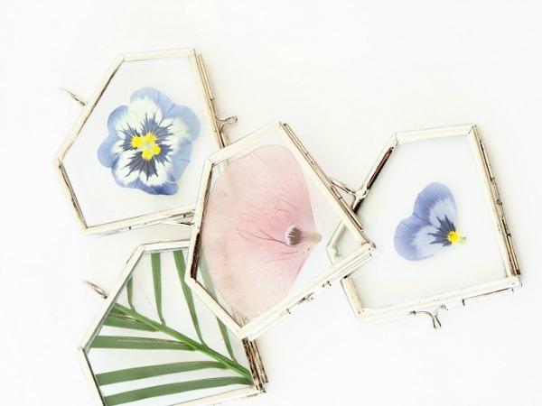 szárított-virág-nyaklánc