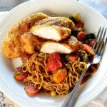 Illatos-omlós csirke sült rizstésztával – Jobb, mint bármelyik ázsiai kifőzdében