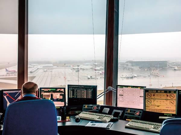 légi forgalmi irányítók