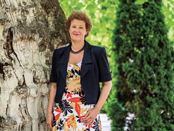 Nők Lapja élettörténet, újságíró: Hufnagel Gabriella