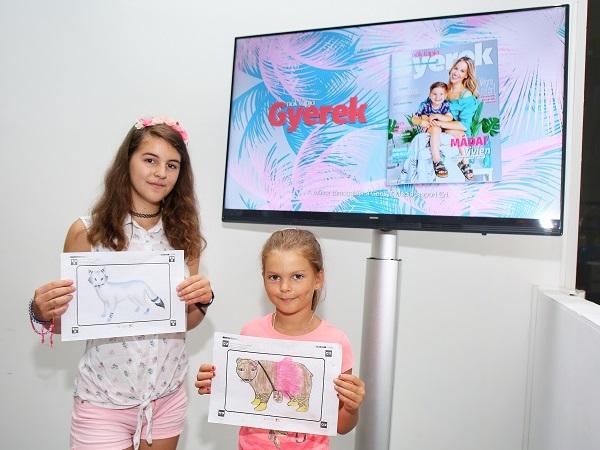 A két nyertes, Mayer Gréta és Mayer Hanna Réka  a győztes pályázatokkal